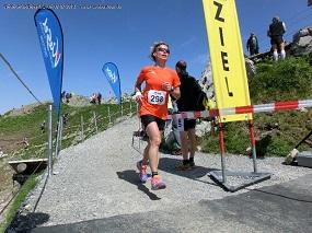 Katrin im Ziel nach 1:58:33