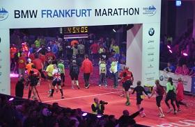 Finisher Hartmut bei seinem 1. Marathon nach 4:43