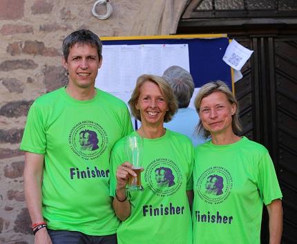 Glückliche Finisher beim Brüder-Grimm-Lauf
